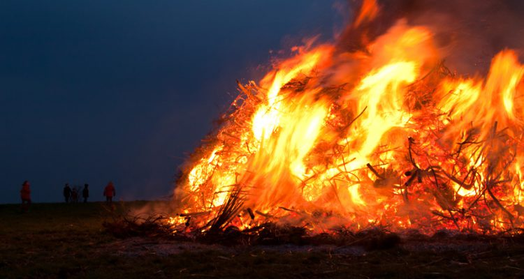 Grosses Feuer