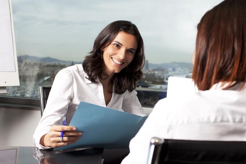Der Artikel gibt Tipps für den Karrierestart.