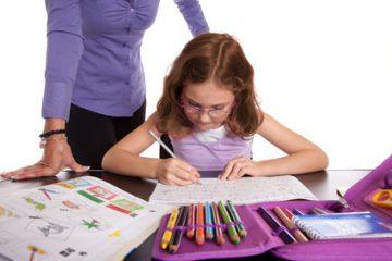Schulkind beim Lernen