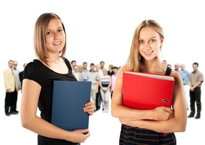 Der Artikel beschäftigt sich mit der Perspektivlosigkeit vieler junger Menschen.