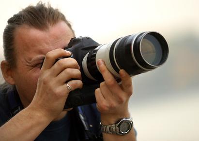 Inhalt des Artikels ist der Beruf des Totenfotografs.