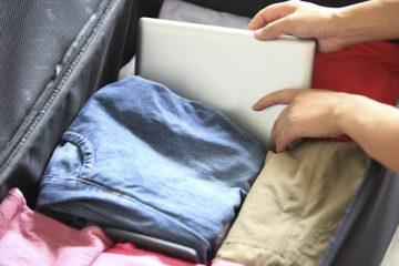 Artikelgebend ist das Berufsbild des Kofferpackers.
