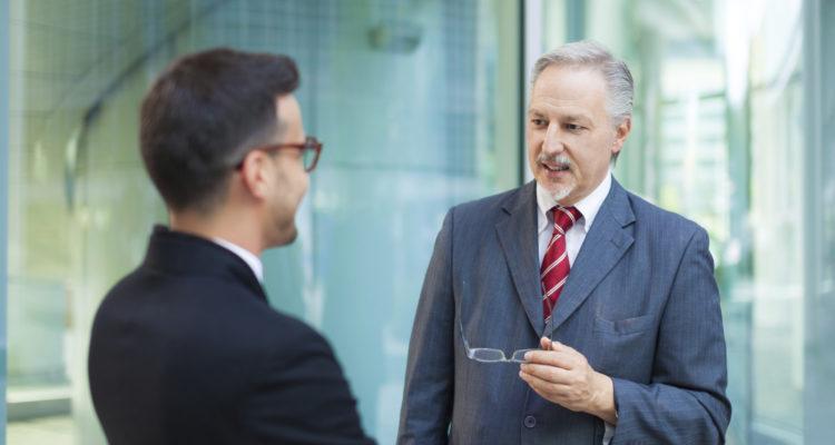 Aufhebungsvertrag: Besser einen Anwalt für Arbeitsrecht um Rat fragen