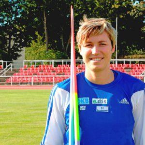 Die olympische Siebenkämpferin Julia Mächtig hat sich schon während ihrer aktiven Zeit im Fernstudium auf ihre zweite Karriere im Sportmanagement vorbereitet. Foto: djd/WINGS
